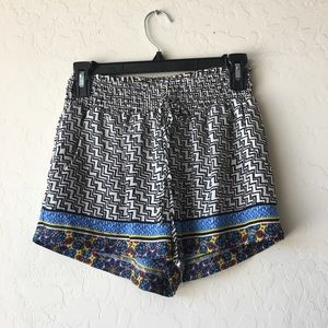 Multi-Patterned Shorts